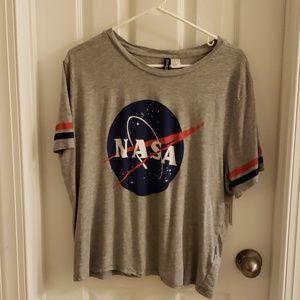 [H&M] Divided NASA Tee